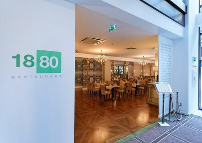 restaurant-1880-6172